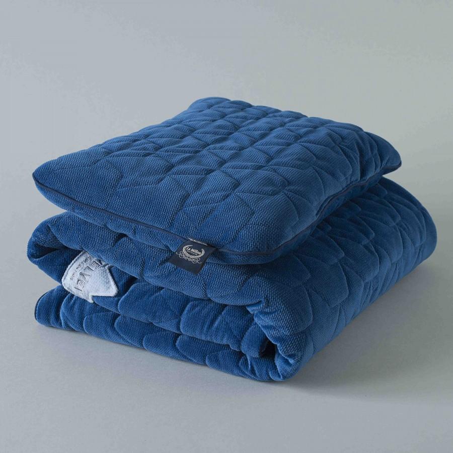LA MILLOU Kocyk pikowany 80x100cm z poduszką Velvet Powder Blue