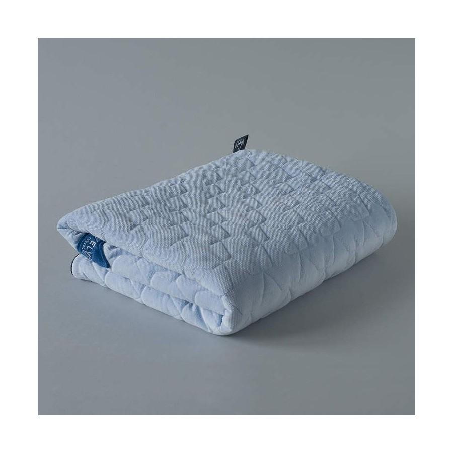 LA Millou quilted blanket 110x140cm Powder Blue Velvet