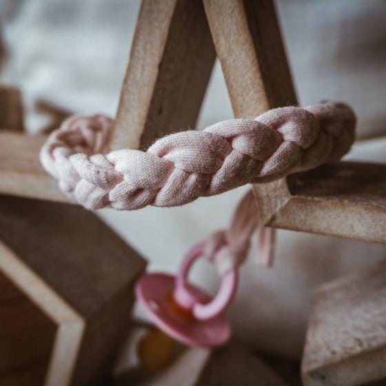 Hi Little One - warkoczykowa bawełniana zawieszka do smoczka Pacifer holder Baby Pink Light