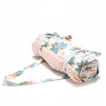La Millou PICNIC BLANKET XL - YOGA CANDY SLOTHS - POWDER PINK